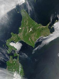 225px-Satellite_image_of_Hokkaido,_Japan_in_May_2001[1]