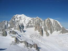 260px-Mont_Blanc,_Mont_Maudit,_Mont_Blanc_du_Tacul[1]