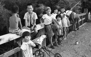 Bambini Giapponesi estate 1957