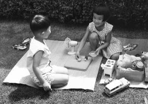 Settembre 1961 bambini che giocano